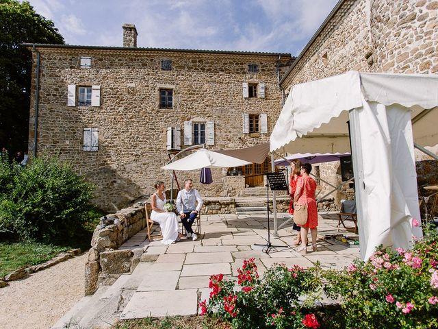 Le mariage de Loïc et Angélique à Saint-Romain-d'Ay, Ardèche 36