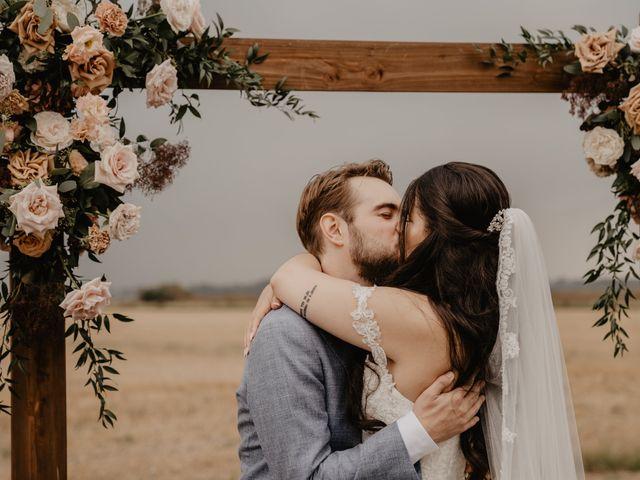 Le mariage de Dylan et Lara à Coudekerque-Branche, Nord 24