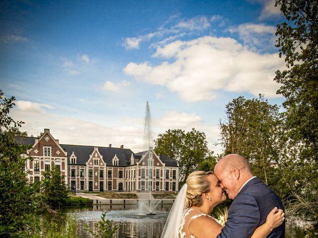 Le mariage de Benjamin et Sabrina à Marquette-lez-Lille, Nord 1