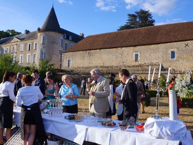 Le mariage de Aymeric et Anne-Héloïse à Sens-Beaujeu, Cher 16