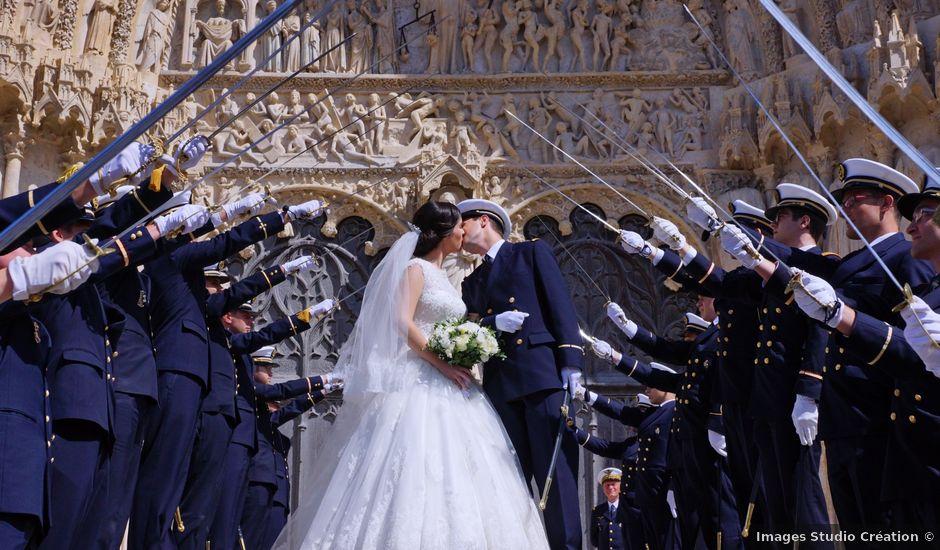 Le mariage de Aymeric et Anne-Héloïse à Sens-Beaujeu, Cher