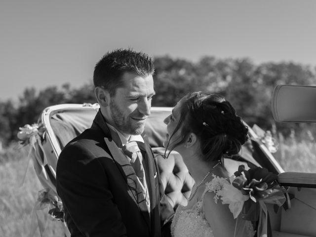 Le mariage de Alex et Alice à Saint-Thomas-de-Cônac, Charente Maritime 14