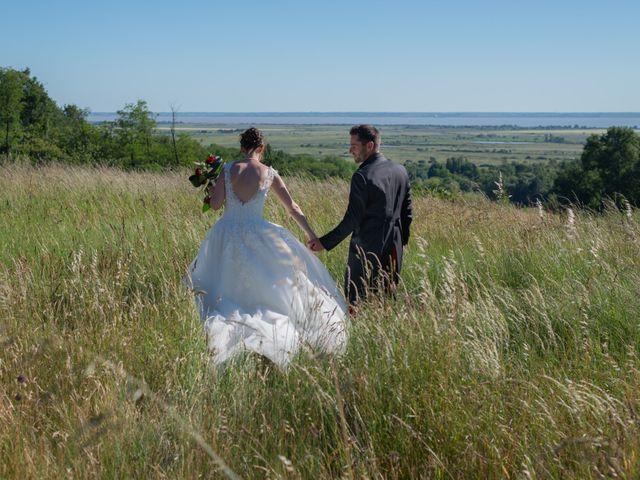 Le mariage de Alex et Alice à Saint-Thomas-de-Cônac, Charente Maritime 15