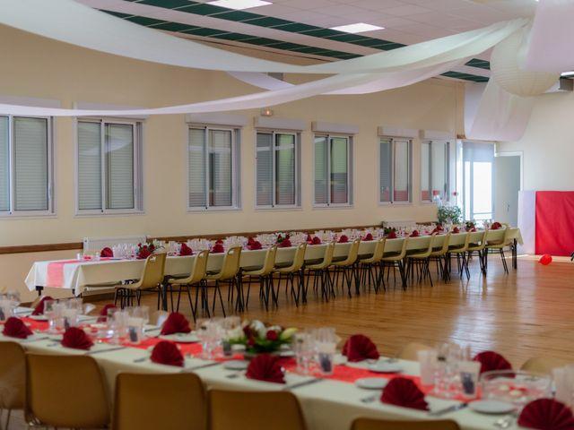 Le mariage de Alex et Alice à Saint-Thomas-de-Cônac, Charente Maritime 20