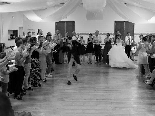 Le mariage de Alex et Alice à Saint-Thomas-de-Cônac, Charente Maritime 22