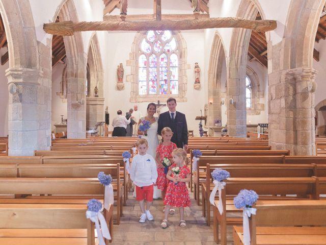 Le mariage de Emmanuel et Alexandra à Clohars-Carnoët, Finistère 13