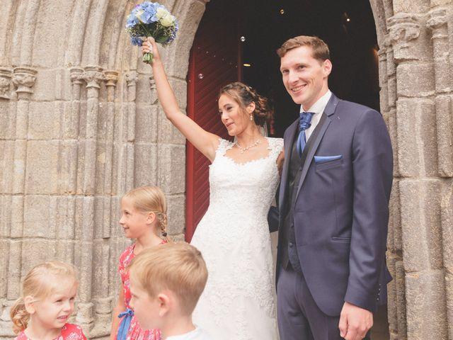 Le mariage de Emmanuel et Alexandra à Clohars-Carnoët, Finistère 14