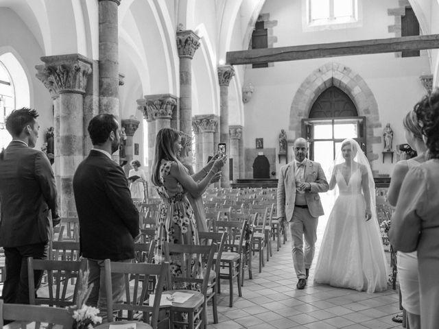 Le mariage de Samuel et Alla à Vallon-en-Sully, Allier 35