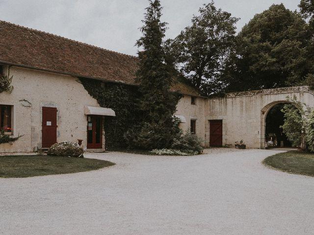 Le mariage de Adrien et Charlène à Vendôme, Loir-et-Cher 27