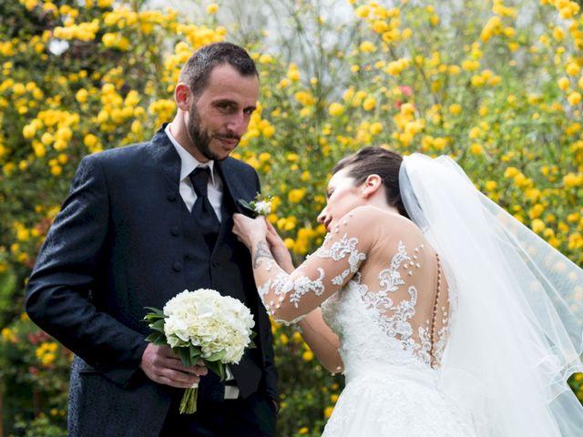 Le mariage de Christophe et Sabrina à Goeulzin, Nord 15