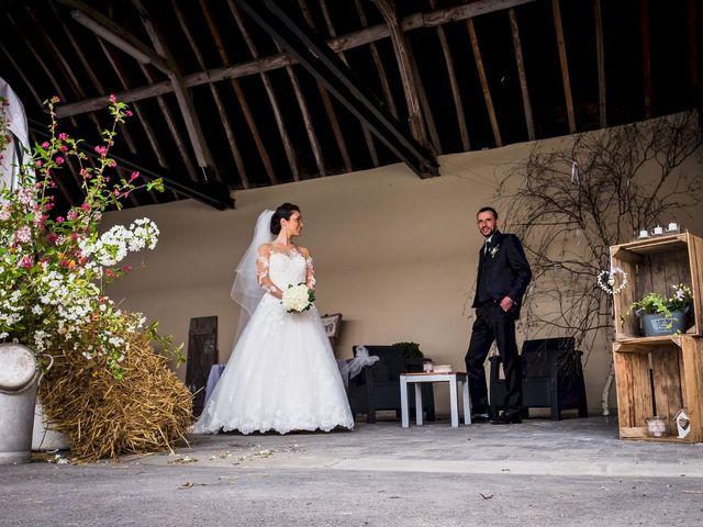Le mariage de Christophe et Sabrina à Goeulzin, Nord 21