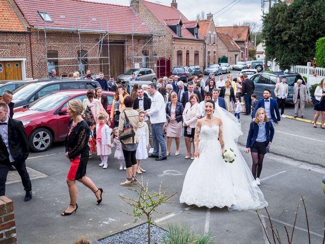 Le mariage de Christophe et Sabrina à Goeulzin, Nord 24