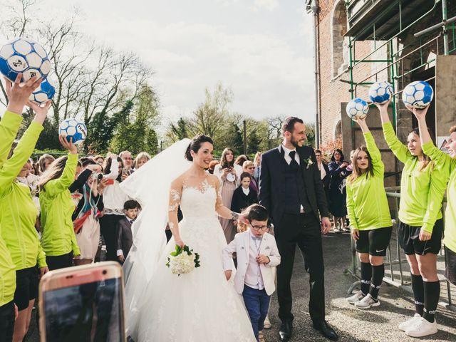 Le mariage de Christophe et Sabrina à Goeulzin, Nord 44