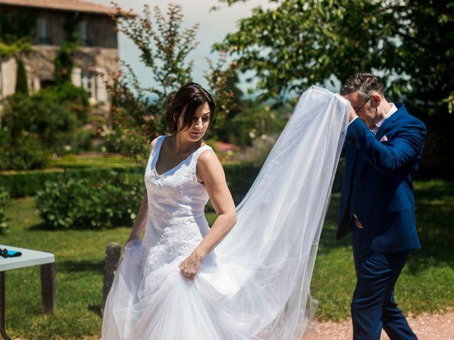 Le mariage de Michaël et Corinne à Villié-Morgon, Rhône 17