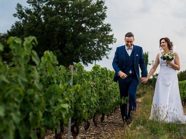 Le mariage de Michaël et Corinne à Villié-Morgon, Rhône 27