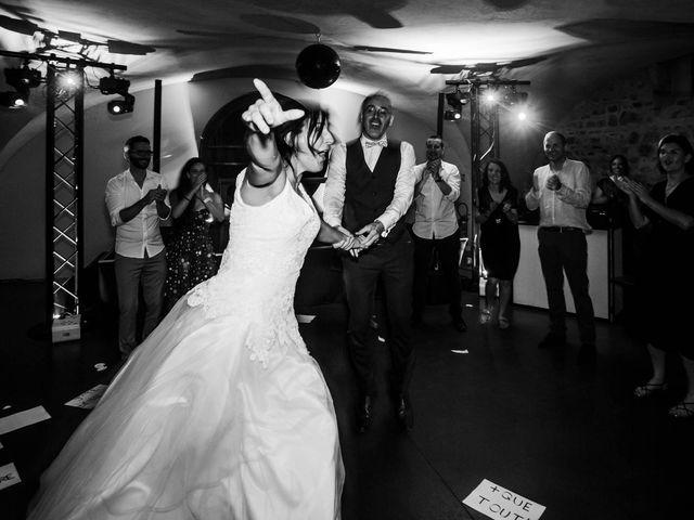 Le mariage de Michaël et Corinne à Villié-Morgon, Rhône 33