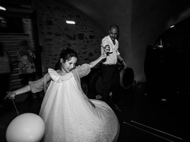 Le mariage de Michaël et Corinne à Villié-Morgon, Rhône 35