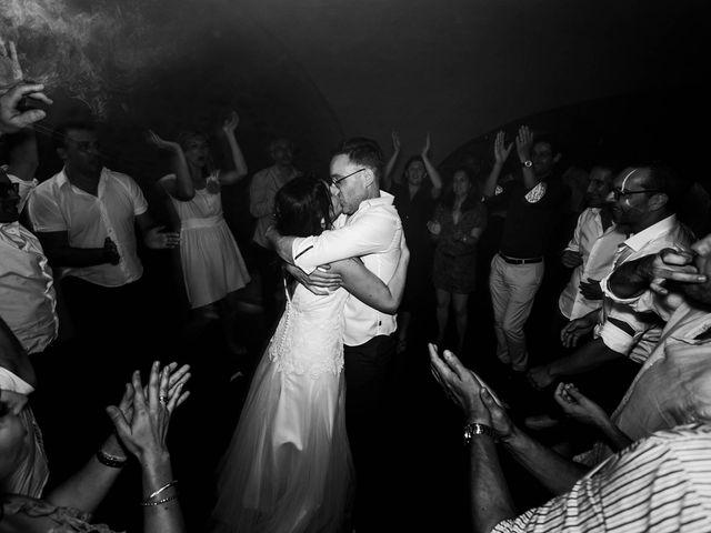 Le mariage de Michaël et Corinne à Villié-Morgon, Rhône 38