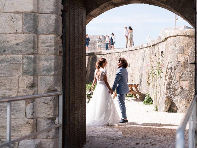 Le mariage de Mathieu et Elsa à Le Château-d'Oléron, Charente Maritime 16