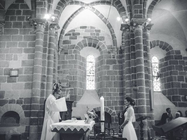 Le mariage de Franck et Géraldine à Aydat, Puy-de-Dôme 16