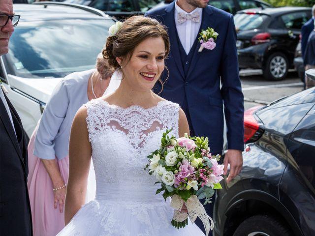 Le mariage de Valentin et Aurélie à Ecques, Pas-de-Calais 25