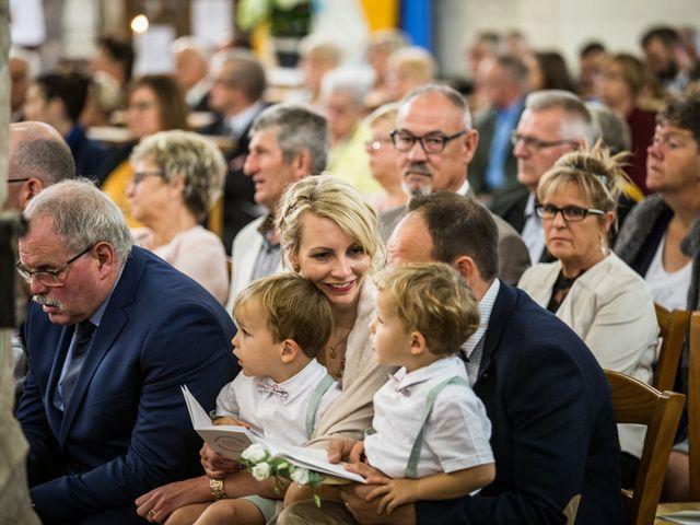 Le mariage de Valentin et Aurélie à Ecques, Pas-de-Calais 31