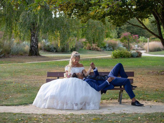 Le mariage de Morad et Gaelle à Poitiers, Vienne 42