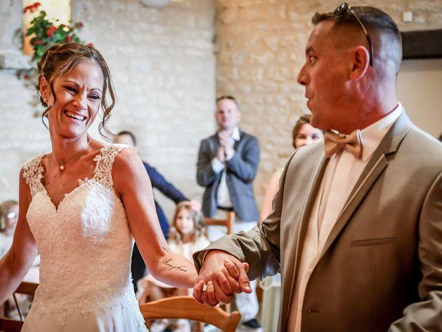 Le mariage de Sébastien et Cindy à Cherves, Vienne 23