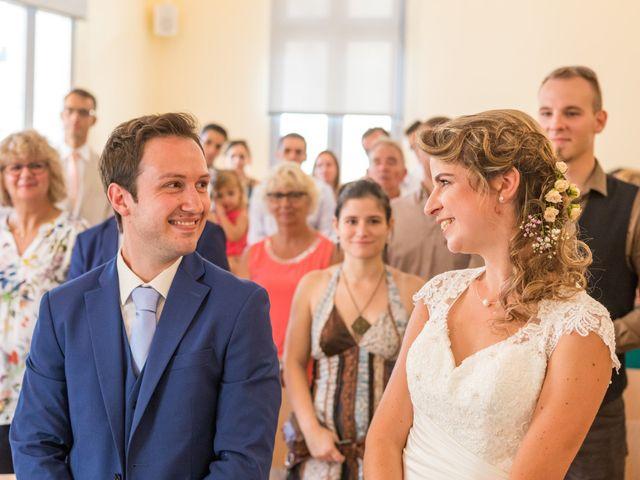 Le mariage de Julien et Morgane à Servian, Hérault 59