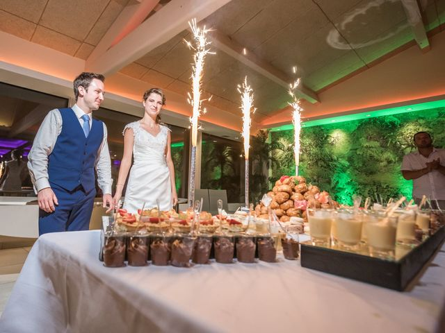 Le mariage de Julien et Morgane à Servian, Hérault 86