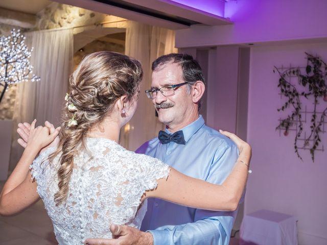 Le mariage de Julien et Morgane à Servian, Hérault 89