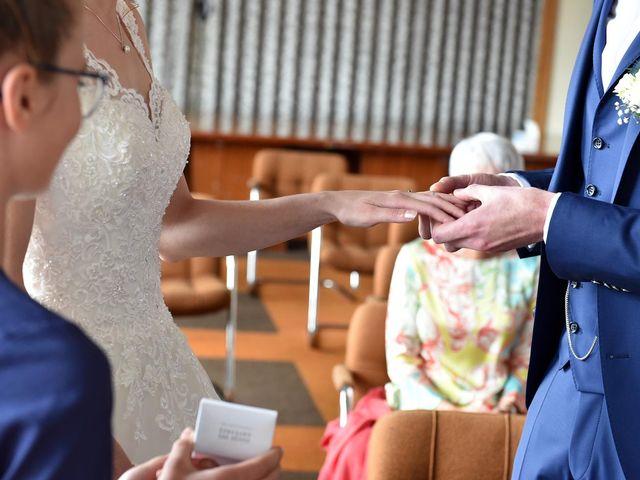 Le mariage de Adrien et Aurélie à Schweighouse-sur-Moder, Bas Rhin 12