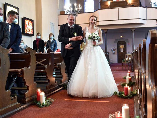 Le mariage de Adrien et Aurélie à Schweighouse-sur-Moder, Bas Rhin 16