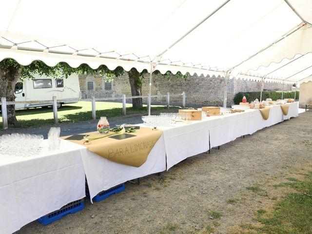 Le mariage de Manu et Aude à Doix, Vendée 10