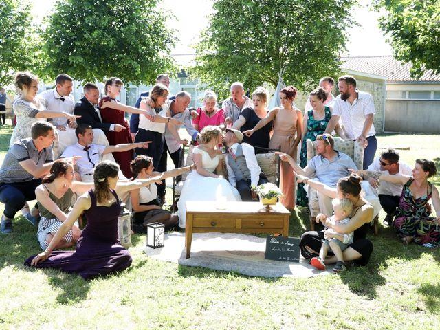 Le mariage de Manu et Aude à Doix, Vendée 21