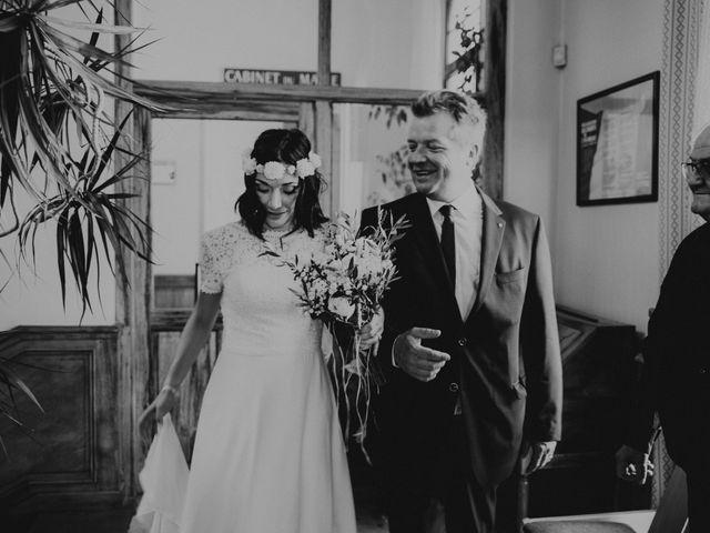 Le mariage de Damien et Camille à Saint-Gilles, Gard 34