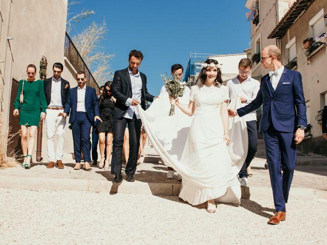 Le mariage de Damien et Camille à Saint-Gilles, Gard 59