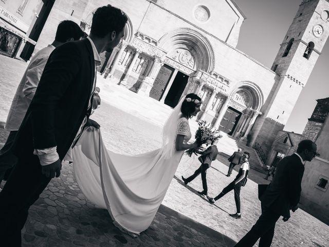 Le mariage de Damien et Camille à Saint-Gilles, Gard 64
