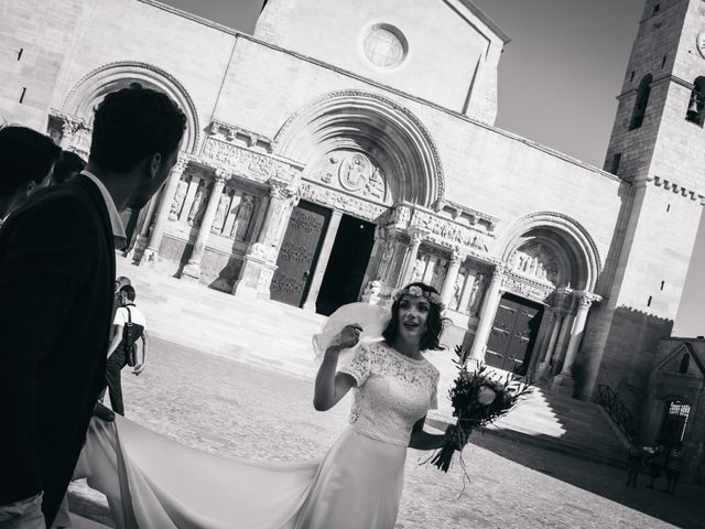 Le mariage de Damien et Camille à Saint-Gilles, Gard 65