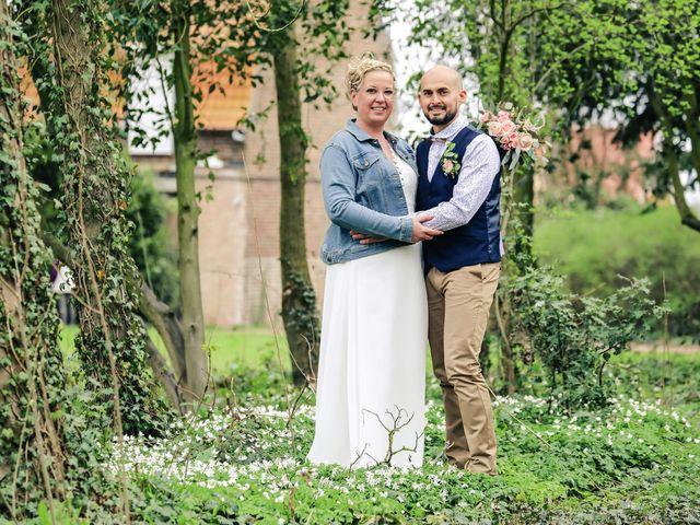 Le mariage de Julien et Coralie à Hazebrouck, Nord 89