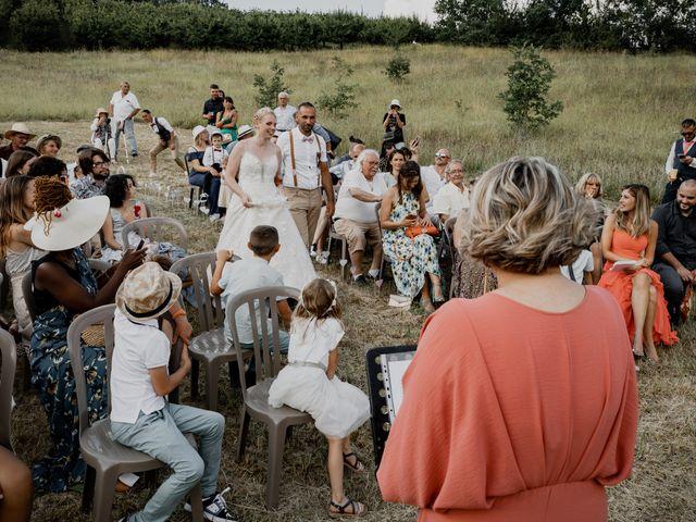 Le mariage de Will et Nina à Saint-Antonin-Noble-Val, Tarn-et-Garonne 30
