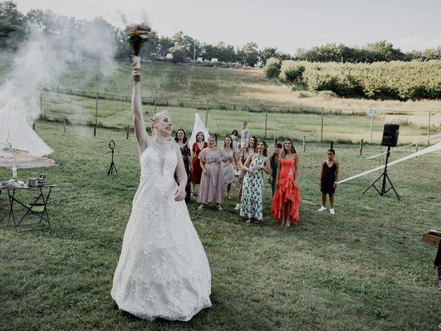 Le mariage de Will et Nina à Saint-Antonin-Noble-Val, Tarn-et-Garonne 44