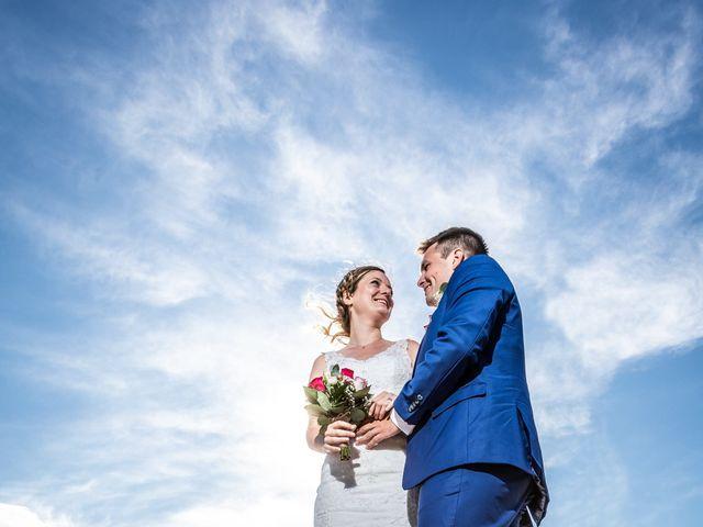 Le mariage de Robin et Laura à Servian, Hérault 45