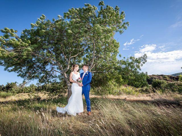 Le mariage de Robin et Laura à Servian, Hérault 49