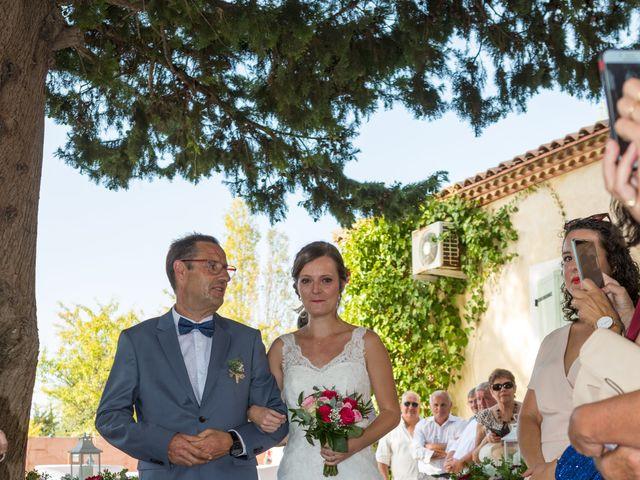 Le mariage de Robin et Laura à Servian, Hérault 64