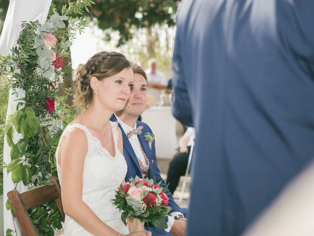 Le mariage de Robin et Laura à Servian, Hérault 69