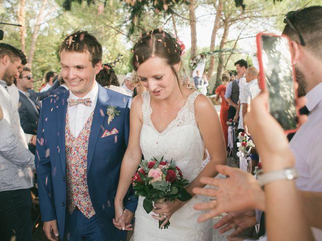 Le mariage de Robin et Laura à Servian, Hérault 92