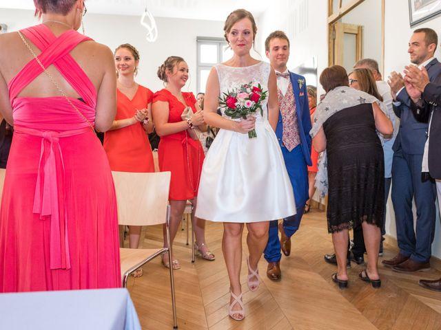 Le mariage de Robin et Laura à Servian, Hérault 24