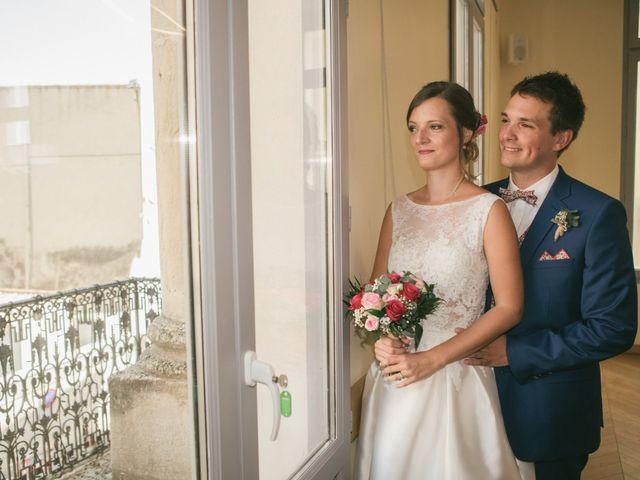 Le mariage de Robin et Laura à Servian, Hérault 30