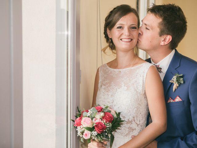 Le mariage de Robin et Laura à Servian, Hérault 31
